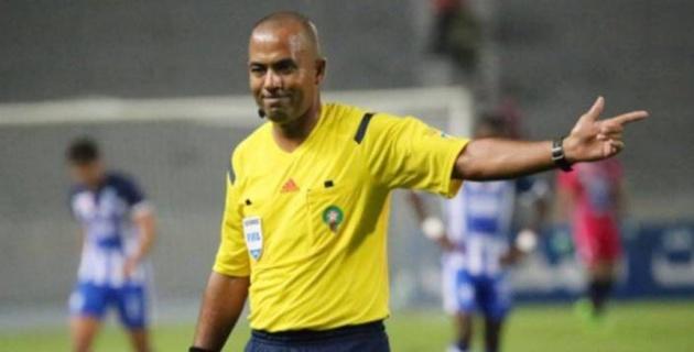 Футбольный арбитр назначил четыре пенальти за матч и был пожизненно отстранен