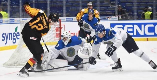 Сборная Казахстана проиграла решающий матч на молодежном ЧМ по хоккею и вылетела из элиты