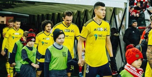 Клуб казахстанца Зайнутдинова объявил о матче с чемпионом Узбекистана