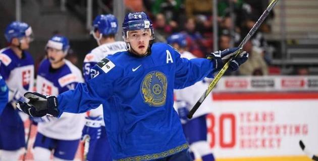 Два хоккеиста молодежной сборной Казахстана попали в промежуточный рейтинг драфта НХЛ
