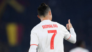УЕФА изменил схему команды года ради Роналду
