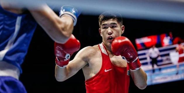 Чемпионам мира по боксу заплатят 100 тысяч долларов
