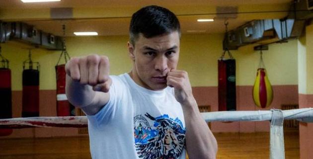 Непобежденный казахстанец узнал нового соперника по главному бою за титулы от WBA и IBF в Канаде