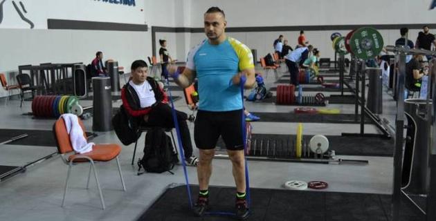Еще одна попытка. Илья Ильин выступит на международном турнире в Ташкенте