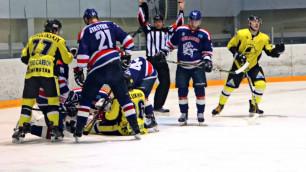 Массовой дракой хоккеистов закончился матч чемпионата Казахстана