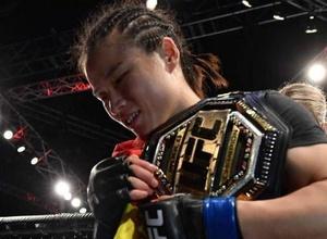 Чемпионка UFC из Китая решила покинуть страну из-за эпидемии коронавируса