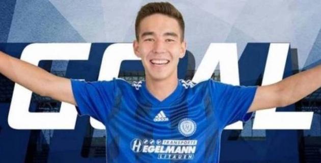 Гол казахстанского футболиста с центра поля претендует на звание лучшего в европейском чемпионате