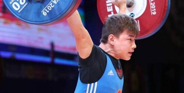 Нереальный Сон. Самого стабильного штангиста сборной Казахстана наигрывают к Олимпиаде?