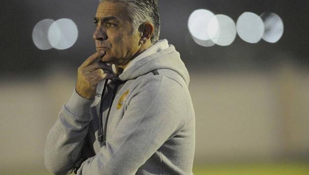 Сборная Армении по футболу рассталась с главным тренером перед матчем с Казахстаном