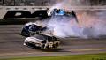Гонщик NASCAR вышел в лидеры на последнем круге и попал в страшную аварию
