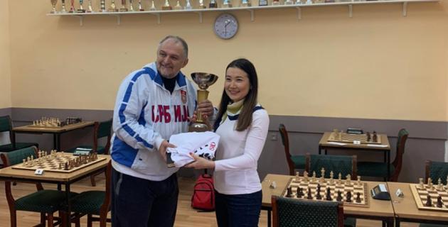 Казахстанская шахматистка досрочно выиграла мужской международный турнир в Сербии