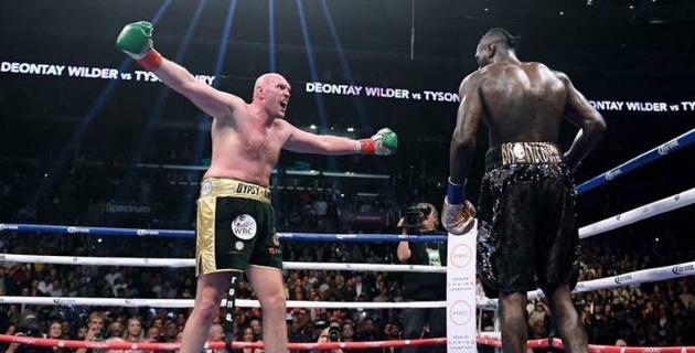 Фьюри дважды отправил Уайлдера в нокдаун, выиграл досрочно и стал новым чемпионом WBC