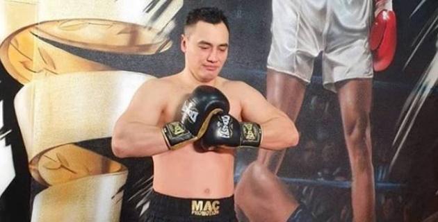 Казахстанские боксеры прошли взвешивание перед вечером бокса в Дубае