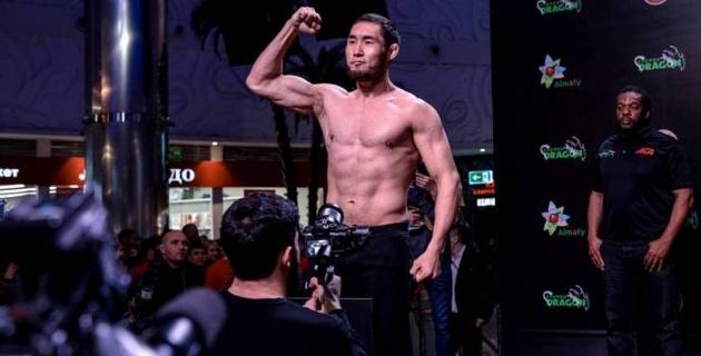 Казахстанский боец нокаутировал испанца ударом в подбородок