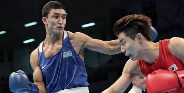 Казахстанец Аманкул победил боксера из Узбекистана и выиграл лицензию на ОИ-2020