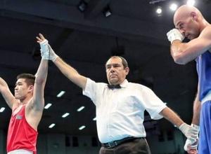 Чемпион мира по боксу из Казахстана вышел в финал отбора на Олимпиаду-2020