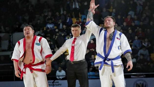"""Организаторы """"Алем Барысы"""" ответили на обвинения дисквалифицированного чемпиона из России в подсыпанном допинге"""