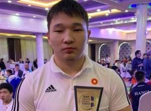 Превзошедший результат Ильина тяжелоатлет рассказал о тренировках и видеоиграх на карантине