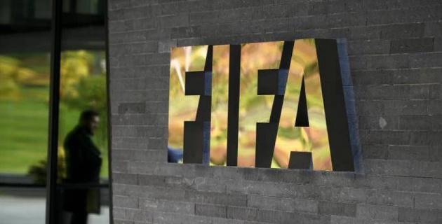ФИФА изменит сроки трансферного окна из-за коронавируса