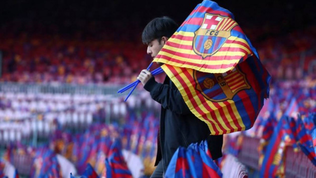 """Барселона"" оказалась под угрозой банкротства"