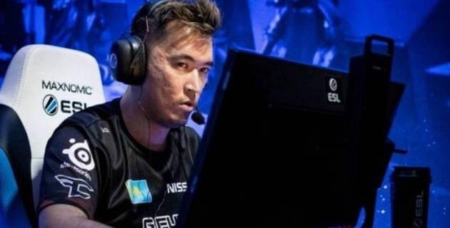 Команда Virtus.pro с казахстанскими киберспортсменами улучшила позиции в мировом рейтинге