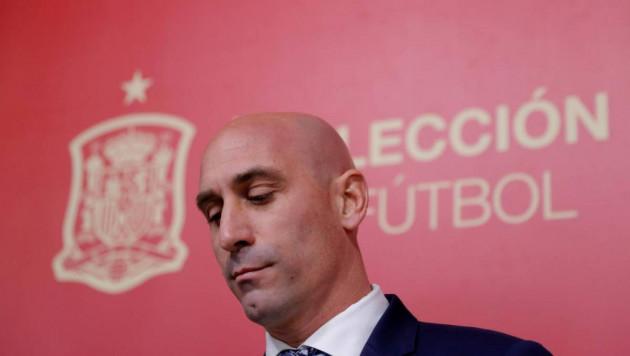Глава испанского футбола попался на подделке документов