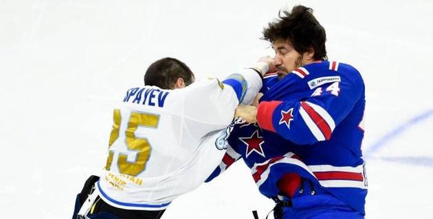 """Миллионы просмотров за драки. Тафгай """"Барыса"""" Дамир Рыспаев - самый популярный хоккеист КХЛ в YouTube"""