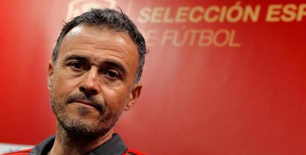 Главный тренер сборной Испании по футболу сам попросил сократить ему зарплату