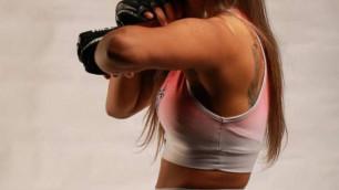 Девушка-боец MMA помогла арестовать извращенца