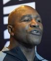 Холифилд назвал боксера, из-за которого завершил карьеру