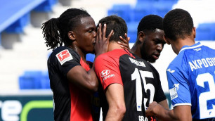 Футболист объяснил поцелуй с одноклубником при праздновании гола