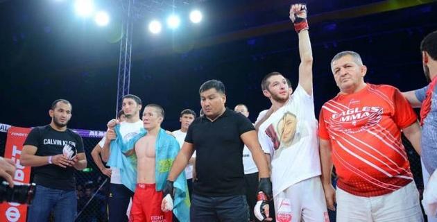 Менеджер Хабиба подписал российского бойца в UFC и предложил реванш казахстанцу