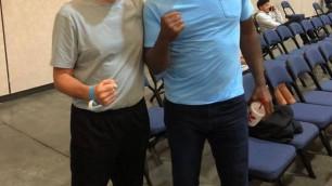 """""""Он хотел, чтобы я остался, но ..."""". Как звезда мирового бокса помог казахстанцу стать тренером в США"""