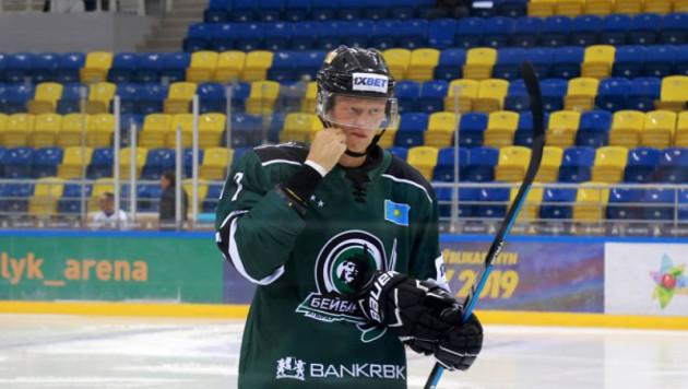 Лучший снайпер чемпионата Казахстана по хоккею сменил клуб