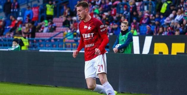Европейский клуб выкупил контракт конкурента казахстанца за место в составе