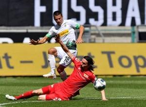 В матче бундеслиги случились дубль и разгром