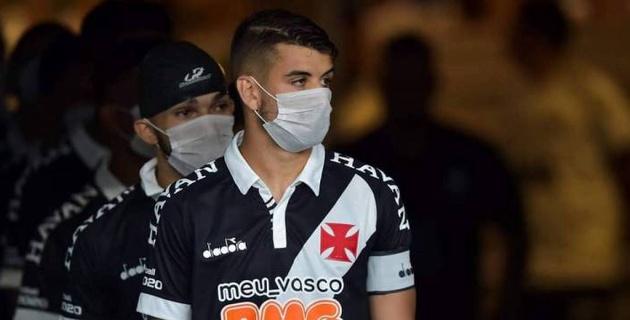 16 футболистов бразильского клуба заразились коронавирусом