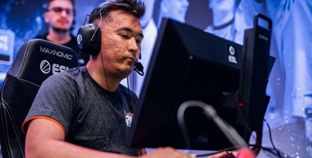 Старт с минус два. Как казахстанские киберспортсмены начали турнир с призовыми в 182 тысячи долларов