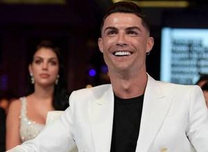 Криштиану Роналду стал первым в истории футболистом-миллиардером