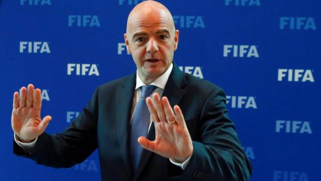 ФИФА призвали граничить зарплаты и трансферные суммы футболистов