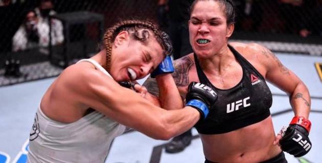 Стал известен гонорар лучшей в истории UFC девушки-бойца за защиту титула