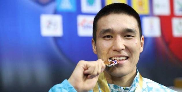 Действующий чемпион Азии объявил об уходе из сборной Казахстана в профи-бокс