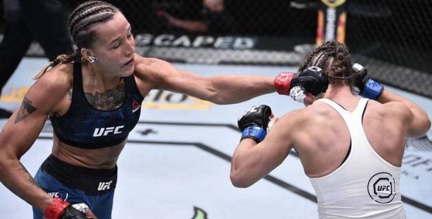Видео быстрой победы. Как первая казахстанка в истории UFC выиграла дебютный бой