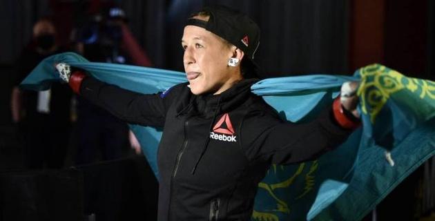 UFC представил видео лучших моментов турнира с быстрой победой казахстанки Агаповой