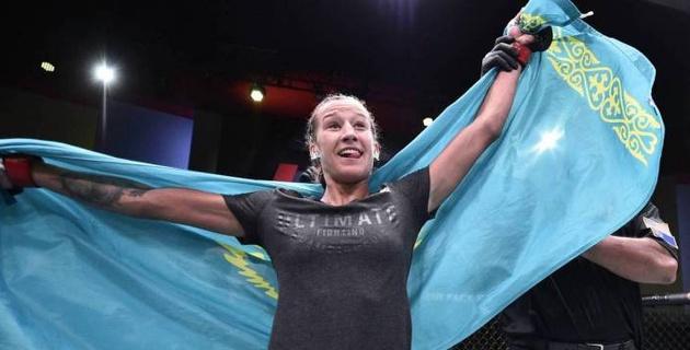 Объявлен гонорар первой казахстанки в истории UFC за досрочную победу в дебютном бою