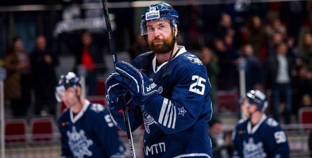 Хоккеист с 371 матчем в КХЛ перешел в казахстанский клуб