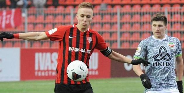 Уроженец Казахстана с тремя играми за молодежную сборную России продлил контракт с клубом