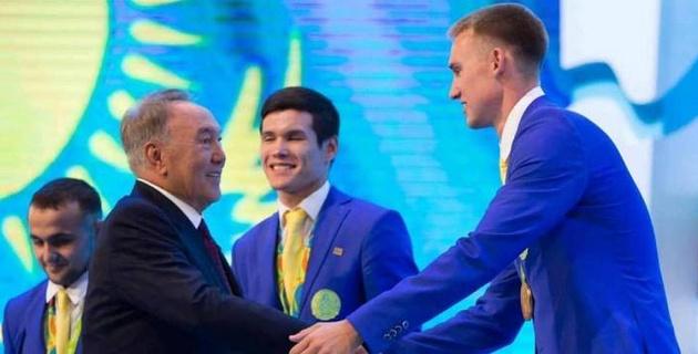 Олимпийский чемпион Баландин и Ильин обратились к Назарбаеву