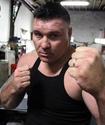 Экс-претендента на титул чемпиона мира по боксу разыскивают по обвинению в убийстве
