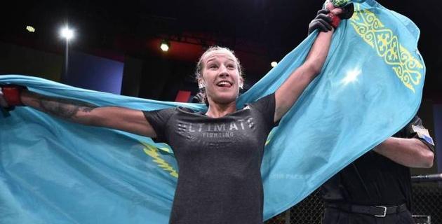 Казахстанка после дебютной победы в UFC узнала дату и соперницу по следующему бою
